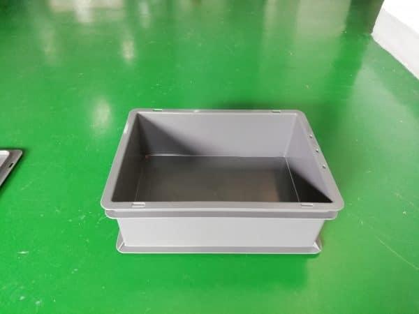plastic delivery box